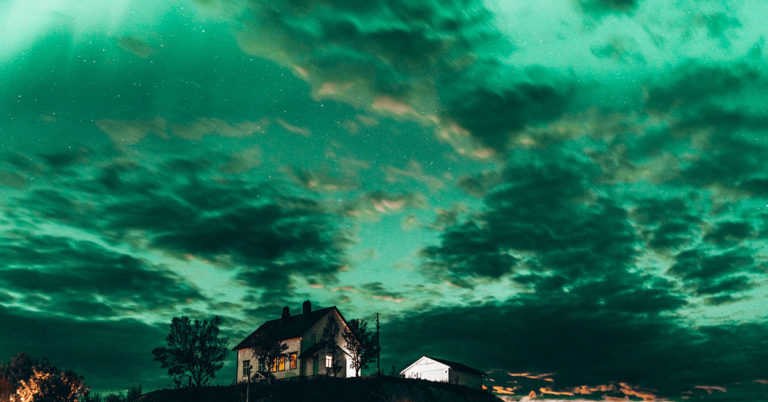 Nothern lights at Skaarungen in Lofoten, Norway