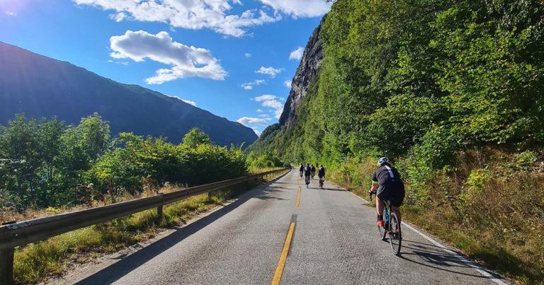 Hardangerfjorden rundt på sykkel